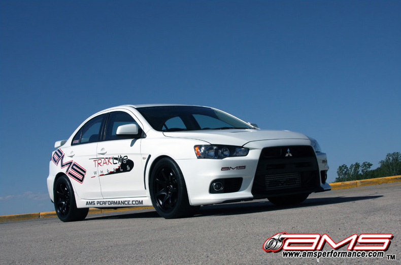 ams_performance_white_evo_x_800x533_4
