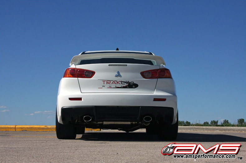 ams_performance_white_evo_x_800x533_7