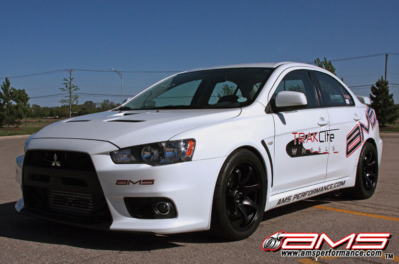 ams_performance_white_evo_x_800x533_9